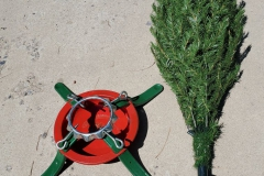 FREE! Christmas tree stand + mini-artificial tree