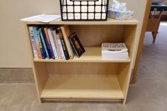 ($10) Small book case