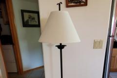($15) Very nice, heavy, metal floor lamp